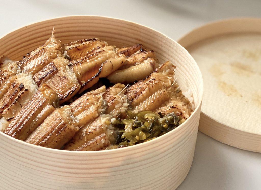 宮島名物あなご飯用の穴子の蒲焼が進化。ご自宅で湯煎するだけでとっても美味しいあなご蒲焼をお召し上がりいただけます。